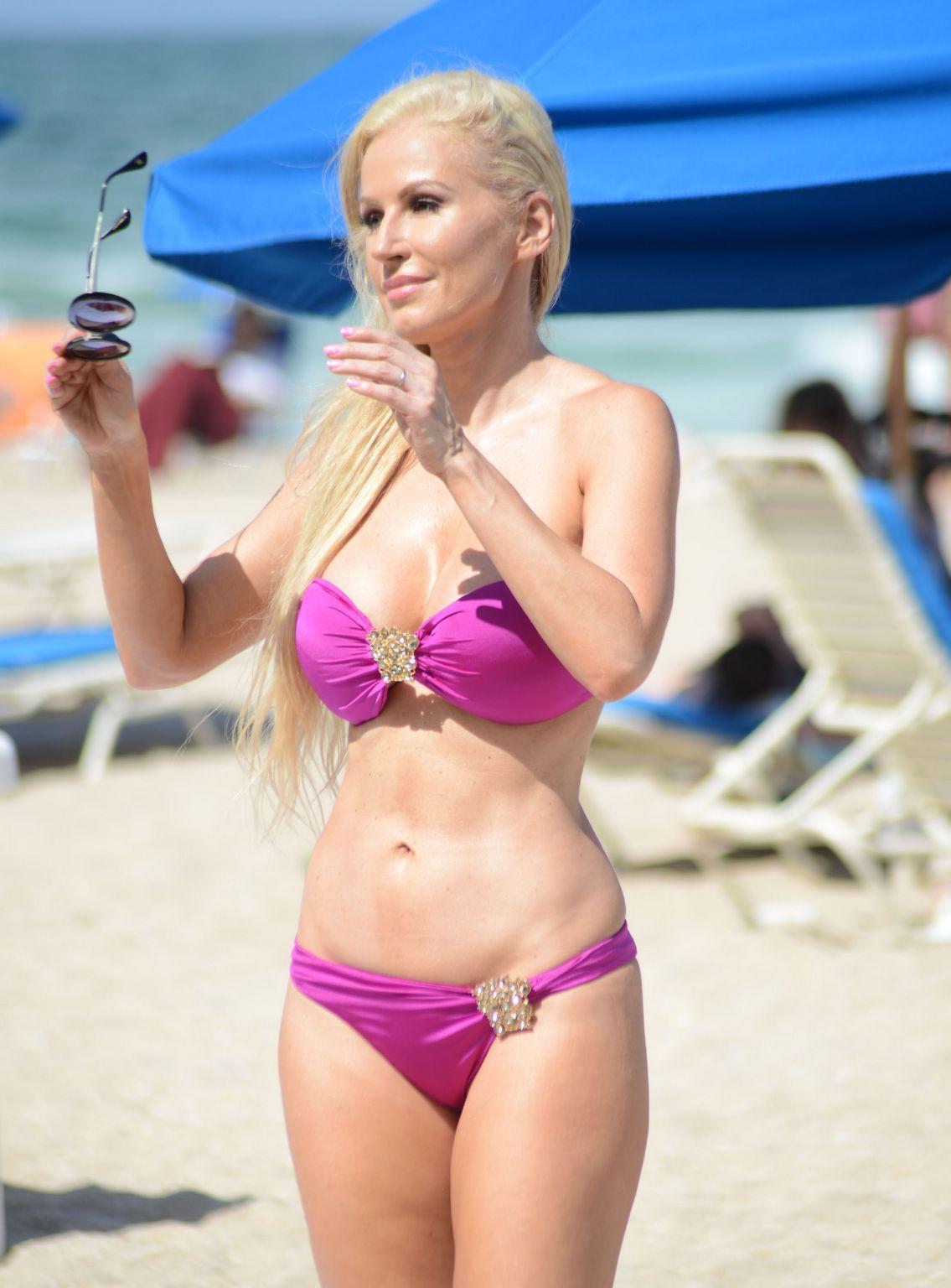ana braga bikini