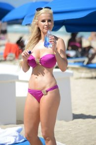 ana-braga-bikini-body-in-miami-18
