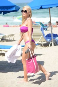 ana-braga-bikini-body-in-miami-20