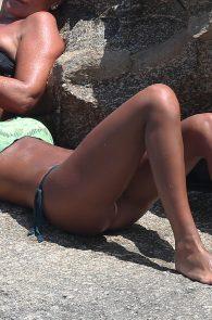 federica-nargi-thong-bikini-on-the-beach-05