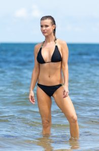 joanna-krupa-topless-at-the-beach-in-miami-13