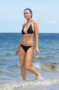 joanna-krupa-topless-at-the-beach-in-miami-16