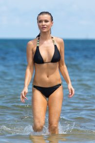 joanna-krupa-topless-at-the-beach-in-miami-17