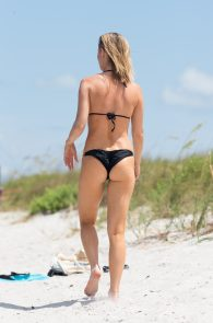 joanna-krupa-topless-at-the-beach-in-miami-2