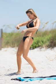 joanna-krupa-topless-at-the-beach-in-miami-3