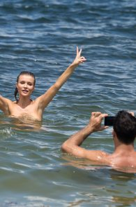 joanna-krupa-topless-at-the-beach-in-miami-31
