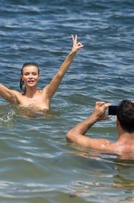 joanna-krupa-topless-at-the-beach-in-miami-32