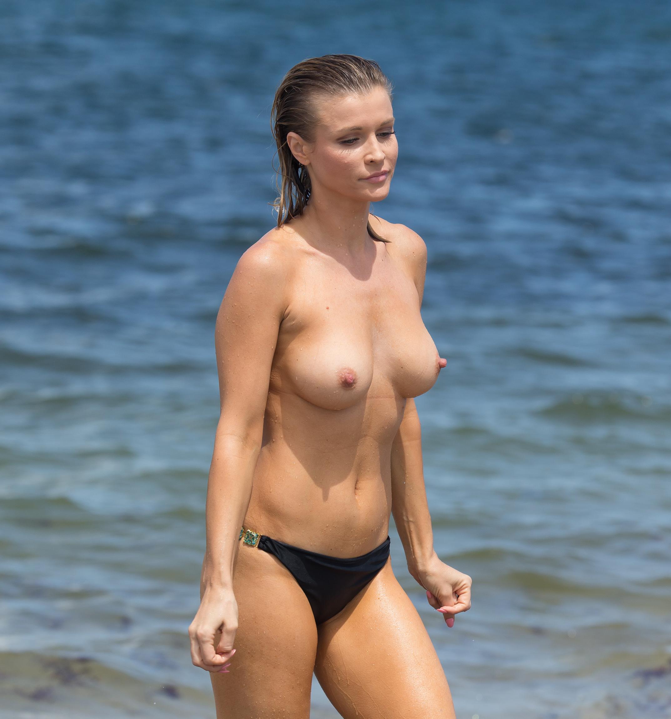 Joanna krupa topless photo new pics