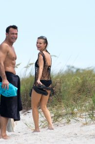 joanna-krupa-topless-at-the-beach-in-miami-5