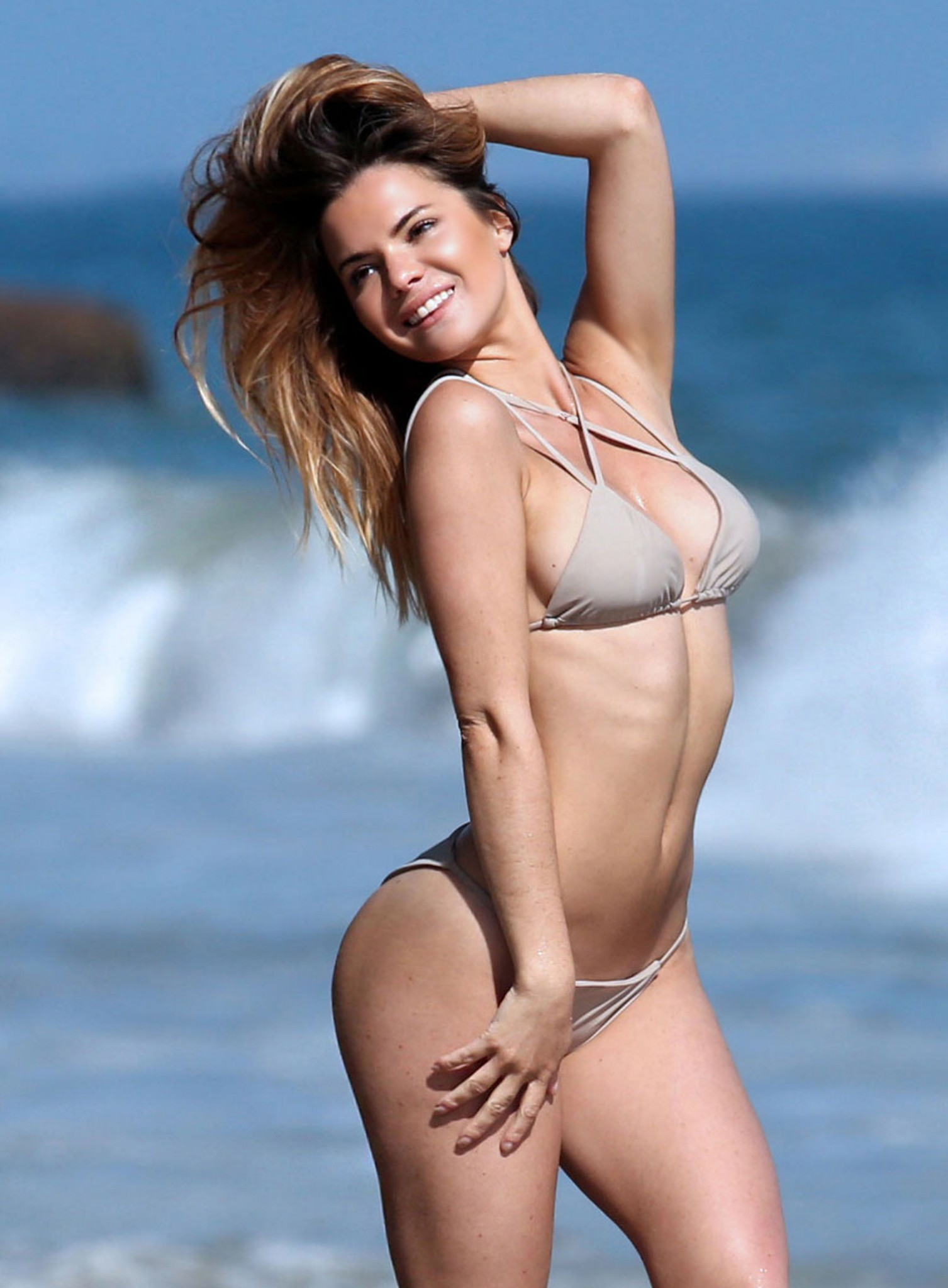 kaili-thorne-thong-bikini-photo-shoot-for-138-water-33