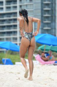 karrueche-tran-cameltoe-bikini-in-miami-26