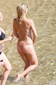 kate-hudson-bikini-greece-6