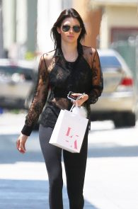 kendall-jenner-see-through-to-nipples-08