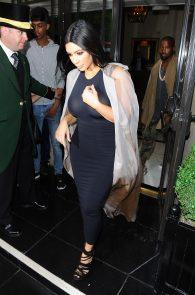 kim-kardashian-see-through-to-boobs-09