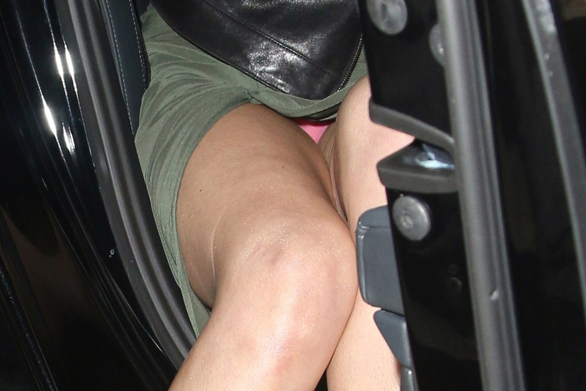 Upskirt Tube Pleasure