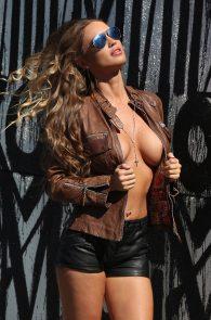 charlie-riina-topless-photo-shoot-138-water-02