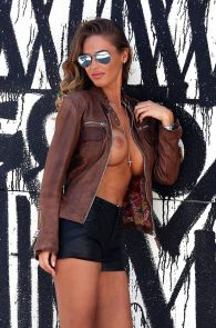 charlie-riina-topless-photo-shoot-138-water-10