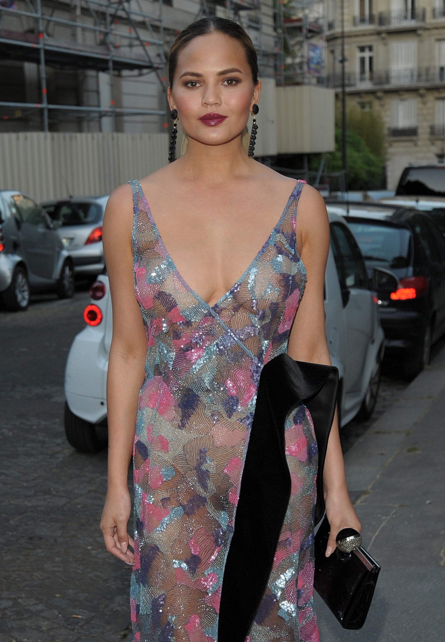 chrissy-teigen-see-through-to-nipples-voge-paris-7