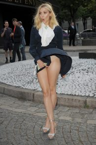 elizabeth-olsen-wind-blown-upskirt-in-paris-03