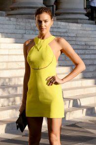 irina-shayk-nippple-pokes-at-paris-fashion-show-01