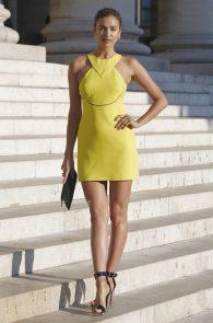 irina-shayk-nippple-pokes-at-paris-fashion-show-04