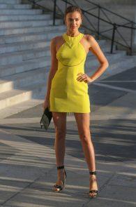 irina-shayk-nippple-pokes-at-paris-fashion-show-08