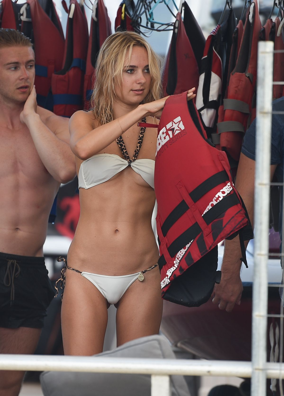 kimberly-garner-white-bikini-cameltoe-st-tropez-33