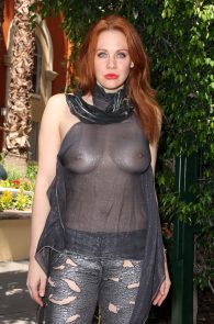 maitland-ward-see-through-to-nipples-comi-con-party-12