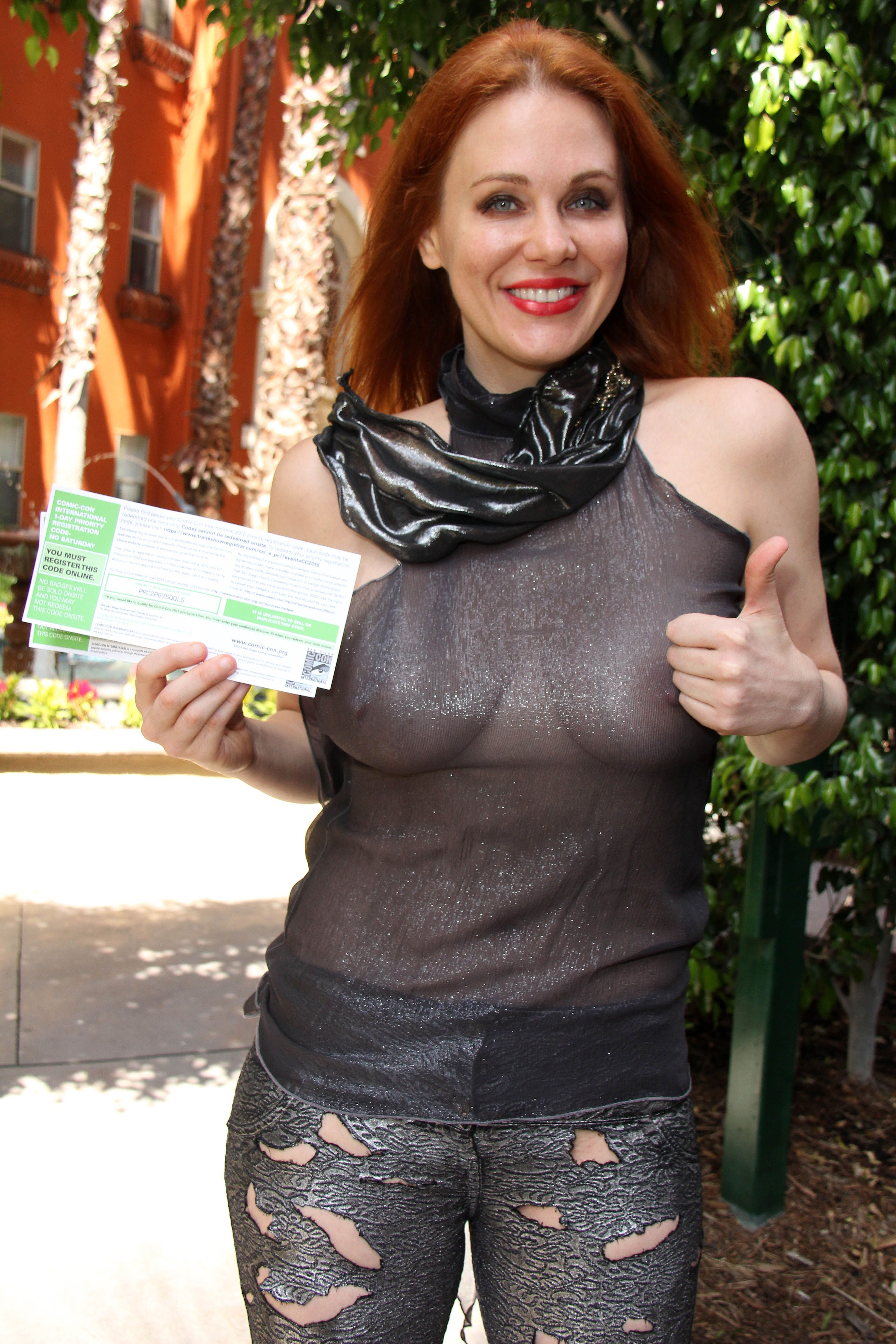 maitland-ward-see-through-to-nipples-comi-con-party-2