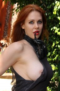 maitland-ward-see-through-to-nipples-comi-con-party-23