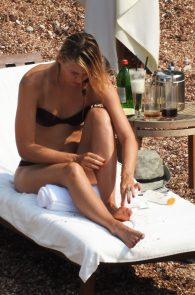 maria-sharapova-wearing-a-bikini-in-montenegro-03