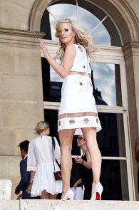nicky-hilton-upskirt-paris-fashion-show-04