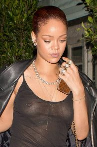 rihanna-see-through-to-pierced-nipple-04
