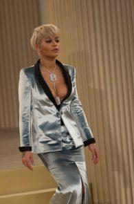rita-ora-nipple-slip-at-chanel-fashion-show-01