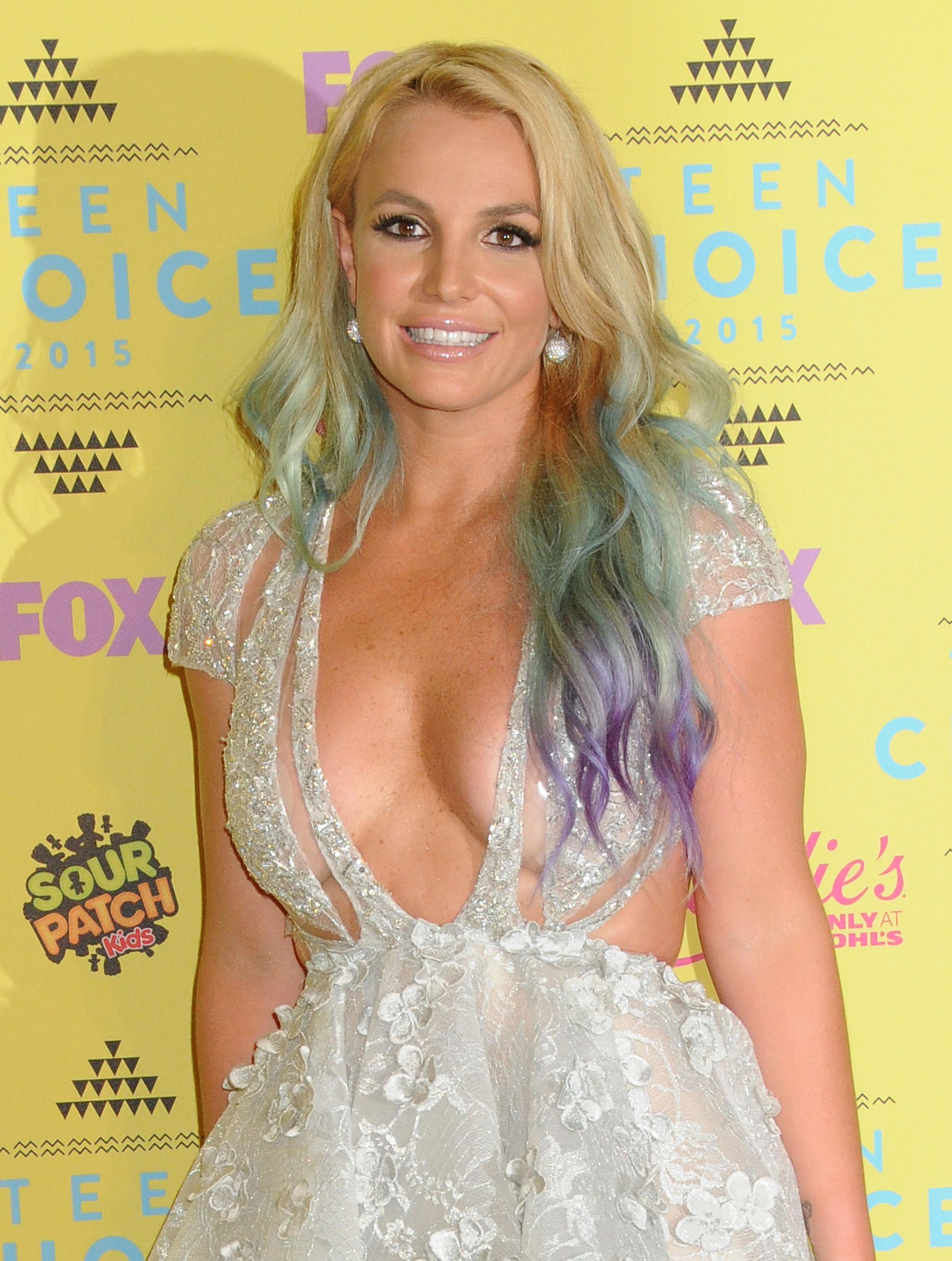 Britney celebrity spear upskirt looks damn