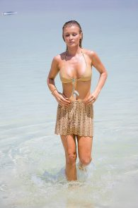 joanna-krupa-hard-nipples-bikini-in-israel-03
