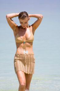 joanna-krupa-hard-nipples-bikini-in-israel-05