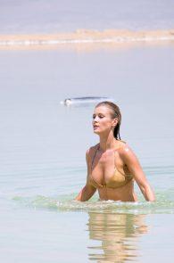 joanna-krupa-hard-nipples-bikini-in-israel-10