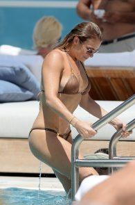 leann-rimes-wearing-a-bikini-at-a-pool-06
