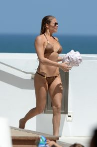leann-rimes-wearing-a-bikini-at-a-pool-08