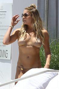 leann-rimes-wearing-a-bikini-at-a-pool-11
