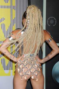 miley-cyrus-thong-ass-flash-half-naked-mtv-video-music-awards-2015-06