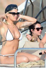 rita-ora-bikini-cameltoe-on-a-yacht-in-ibiza-06