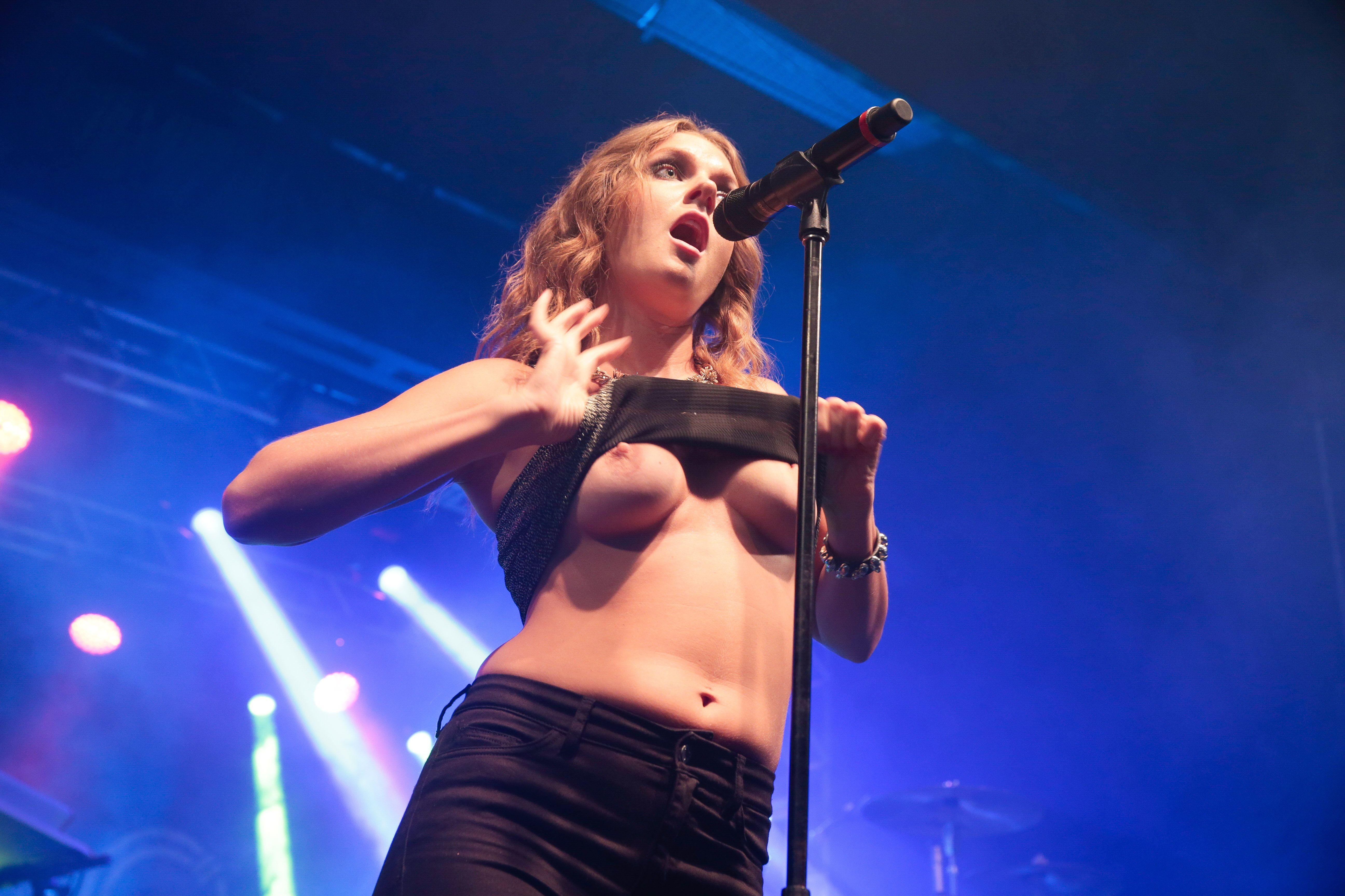 boob concert