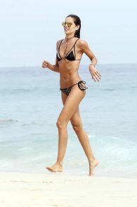 izabel-goulart-wearing-a-bikini-in-rio-de-janeiro-01