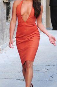 lea-michele-deep-cleavage-orange-dress-07