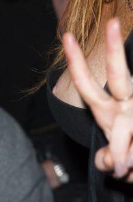 lindsay-lohan-nipple-slip-at-london-fashion-week-06