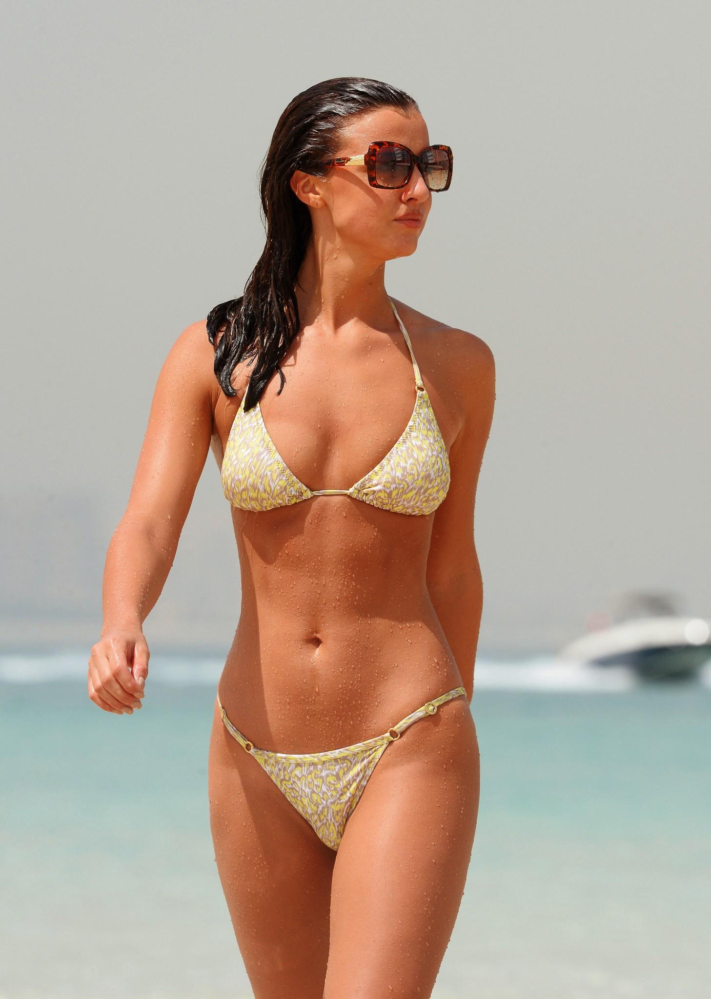 lucy-mecklenburgh-wearing-a-bikini-in-dubai-01