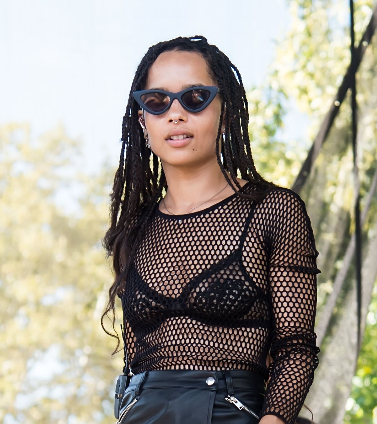 zoe-kravitz-see-through-bra-05