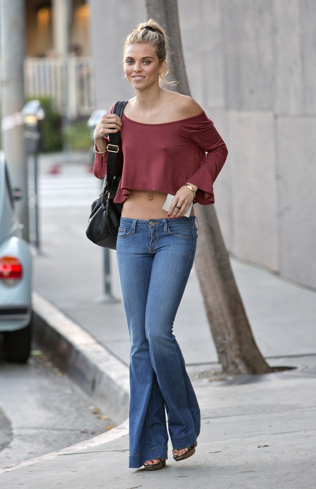 annalynne-mccord-braless-nipples-pokies-while-out-shopping-08